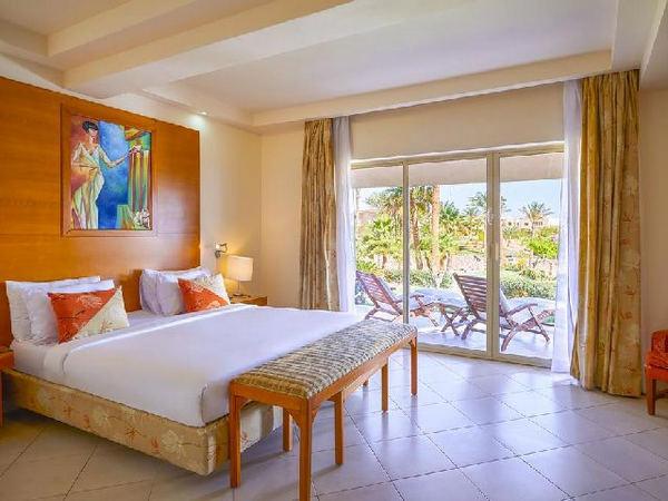 فندق راديسون بلو شرم الشيخ واطلالته المذهلة من بين اطلالات فنادق خليج نبق 5 نجوم