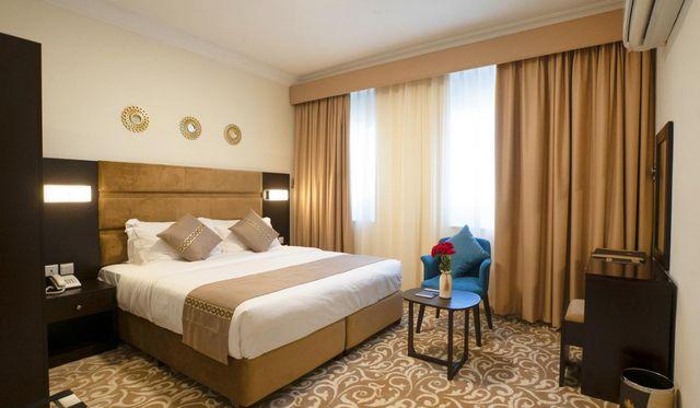 إن كانت تستهويك الإقامة الهادئة، اقرأ تقريرنا عن افضل فنادق صلالة سلطنة عمان واختر ما يُناسبك