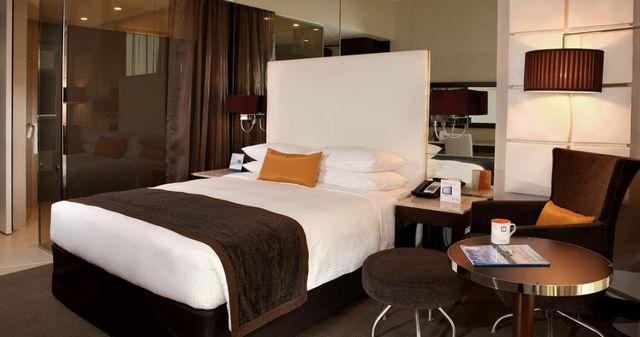 دليكم عن افضل فنادق في الشارقة