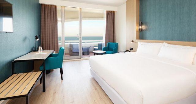 يُمكنكم حجز فنادق الشارقة للشباب والعوائل والعرسان بتقييمات عربية مُرتفعة