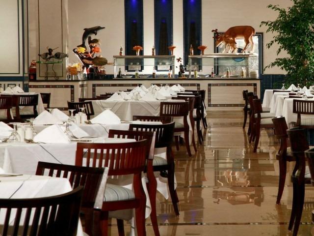 تتنوع خيارات الطعام في فندق ستيلا دى مارى مكادى جاردن الغردقة