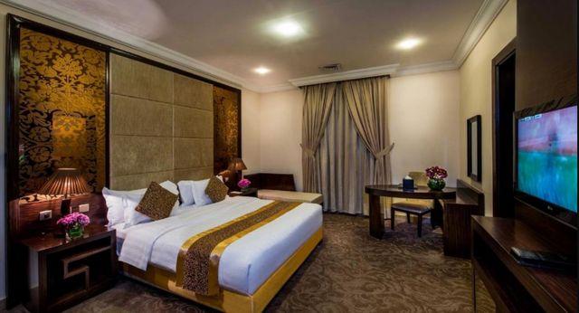 إن كانت الطائف هي وجهتك، تعرف من خلال هذا المقال على عروض الأسعار وآراء الزوّار لأهم وأفضل فنادق بالطايف