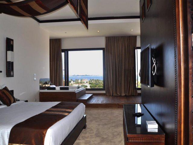 يوفّر فندق افريكانا كينج مريوط غُرف وأجنحة مكيّفة جميعها ذات اطلالات مباشرة على البحر