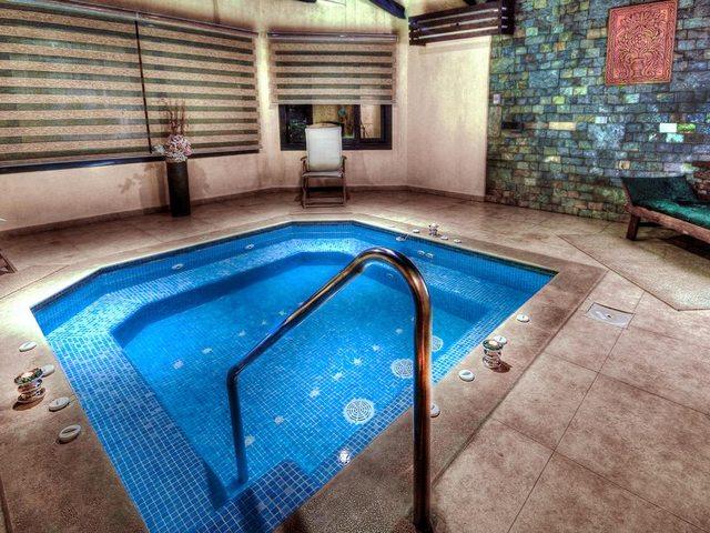 يشمل فندق افريكانا الاسكندرية 3 أحواض سباحة خارجيّة ذات اطلالة