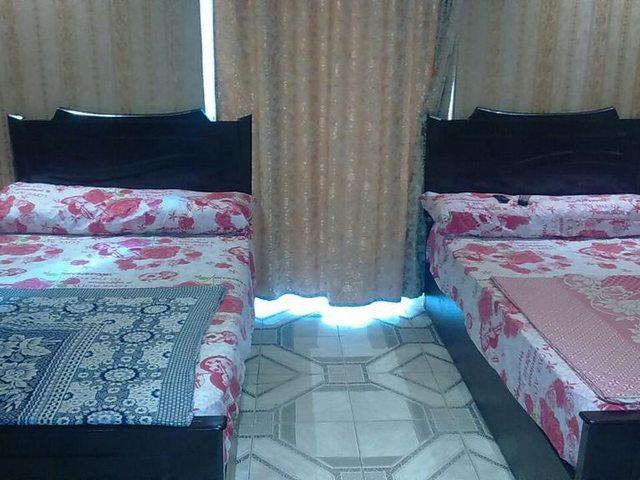 يوفّر فندق القاضي بالاسكندرية غُرف عائلية وعادية مكيّفة، عازلة للصوت وخالية من مسببات الحساسية جميعها ذات شرفات خاصة.
