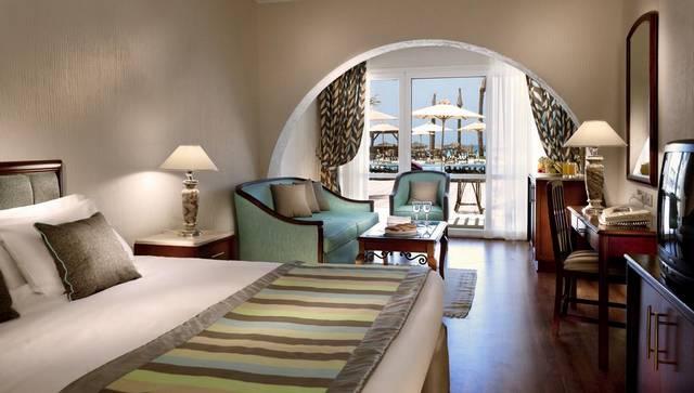 يعد فندق ابروتيل مثالاً على افضل فنادق برج العرب الاسكندرية