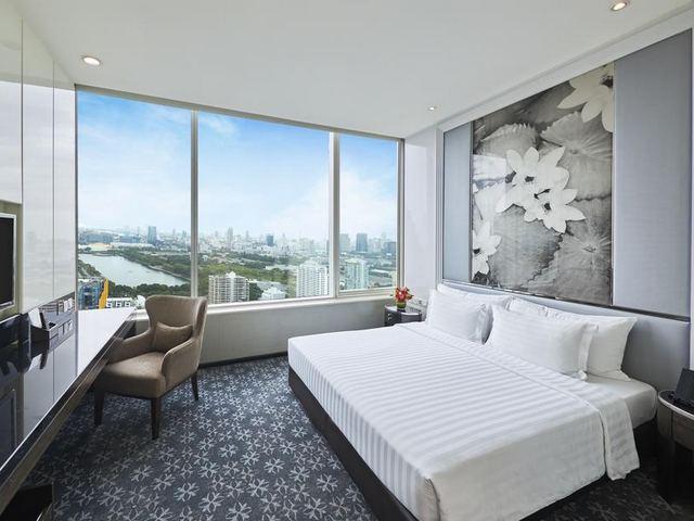 يقدم فندق تيرمنال 21 بانكوك غرفًا فسيحة وأجنحة تنفيذية عالية الجودة
