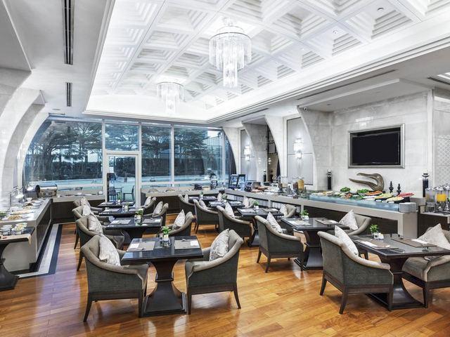 يضُم  فندق تيرمنال 21 بانكوك مطعماً مميزاً يُقدّم أطباق عالمية