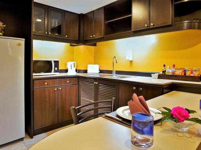 تحتوي جميع غُرف غراند بريزدنت بانكوك على مكتب، صندوق أمانات، ثلاجة، مرافق كي الملابس، غلّاية كهربائية، خزانة، لوازم استحمام مجانية، حمّالة ملابس ومنطقة لتناول الطعام.