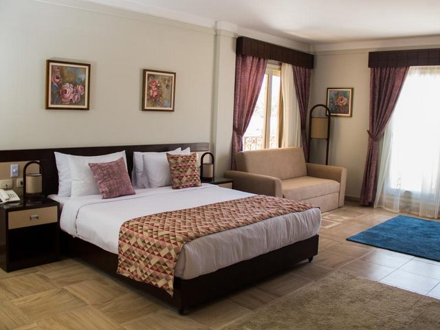 يوفر  فندق بالما ان الاسكندرية غرف بأثاث فاخر وديكورات جميلة