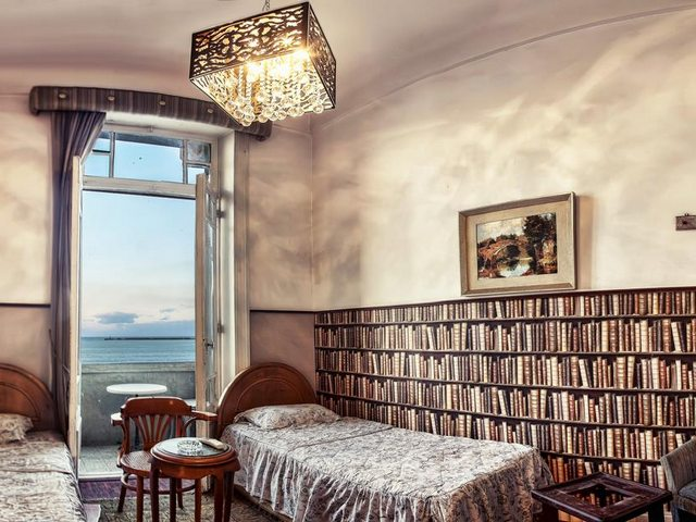 يتميّز فندق فيليب هاوس اسكندرية بقربه من أهم معالم الاسكندرية الشهيرة
