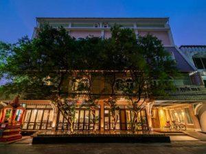يعتبر فندق سليل بانكوك احد فنادق 3 نجوم في بانكوك ذو القيمة الرائعة، ويتميز بموقع مركزي مما يوفر سهولة الوصول إلى وسائل النقل ومناطق التسوق والسياحة.