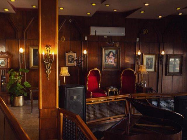 يوفر فندق سان جيوفانى ستانلى بالاسكندرية مكتب استقبال يعمل طوال اليوم وخدمات الاستقبال والإرشاد وخدمة الغرف، وتتوفر متاجر صغيرة وصحف في الموقع لراحة النزلاء.