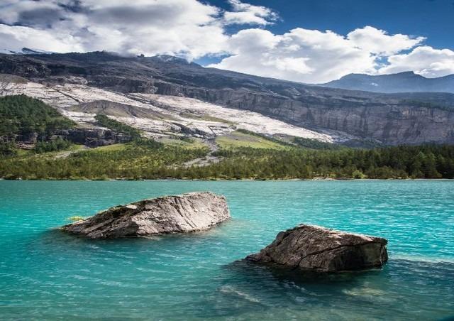 ستحظى بالإستجمام عند الجلوس بجوار بحيرة اوشن سي سويسرا