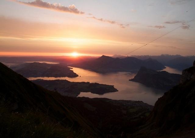 مشاهدة غروب الشمس في اعلى قمة بيلاتوس مُتعة لا توصف